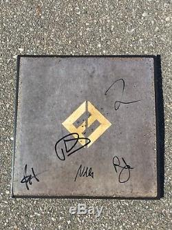 FOO FIGHTERS BAND SIGNED CONCRETE & GOLD VINYL ALBUM RECORD WithCOA x5 DAVE GROHL